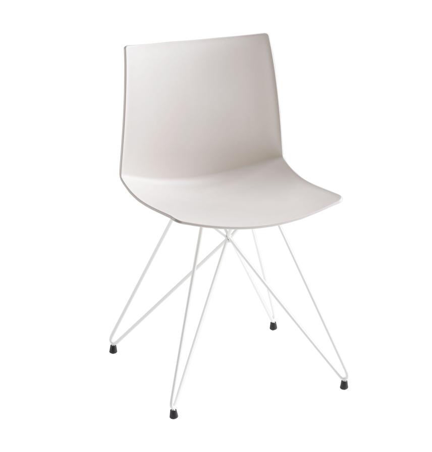 Sedia insolita trali comoda e di design con scocca in for Sedia design comoda