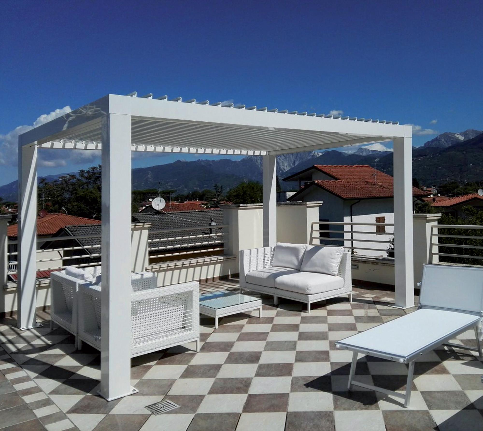 pergola bioclimatica autoportante in alluminio con tettoia a lame orientabili. Black Bedroom Furniture Sets. Home Design Ideas