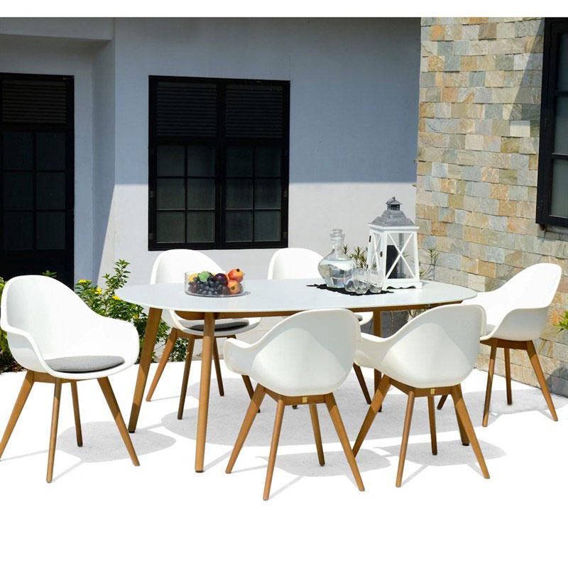 Set tavolo e sedie montreaux per l 39 arredamento giardino for Set tavolo sedie