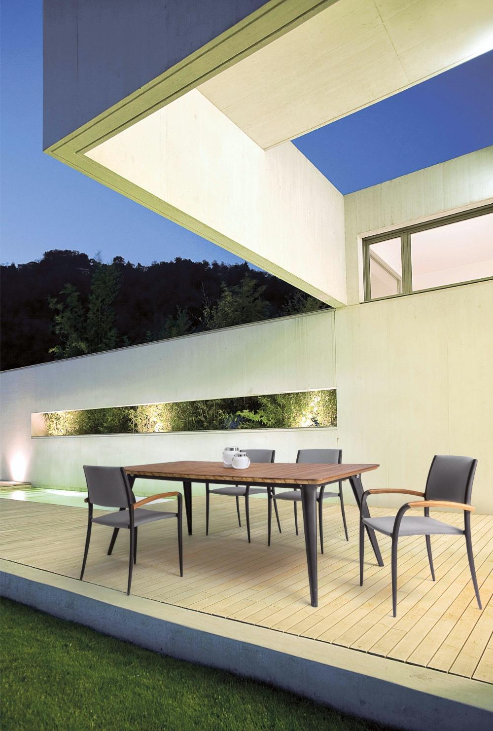 Tavolo Giardino Catalina in alluminio e teak per l'esterno.
