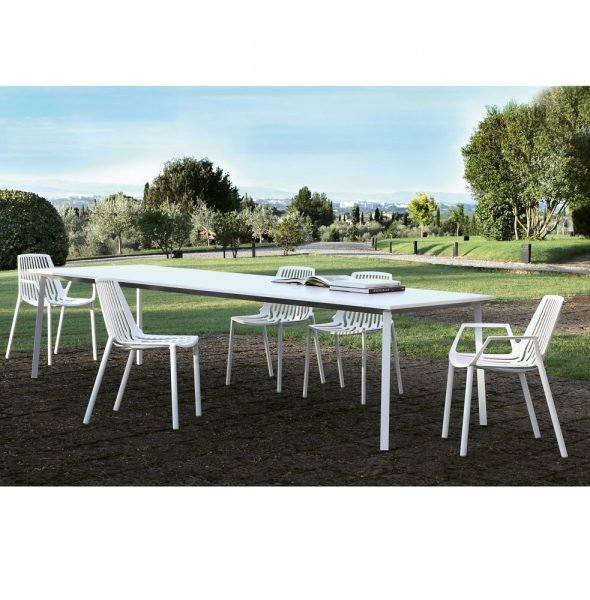 Tavolo Newtile da giardino lungo tre metri con piano in gres per esterno