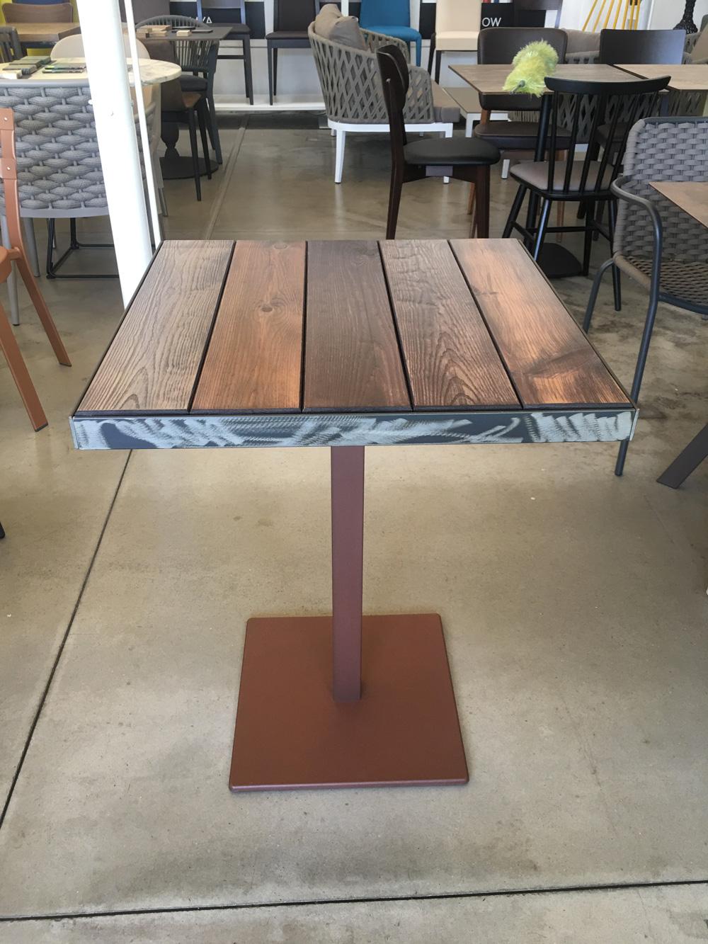 Tavoli Per Ristorante Da Esterno.Tavolo Piano Legno Doghe Per L Esterno Disponibile In Varie