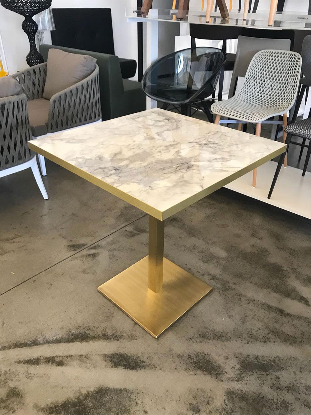 Tavolo ottone effetto marmo disponibile in varie misure for Tavoli di design in marmo